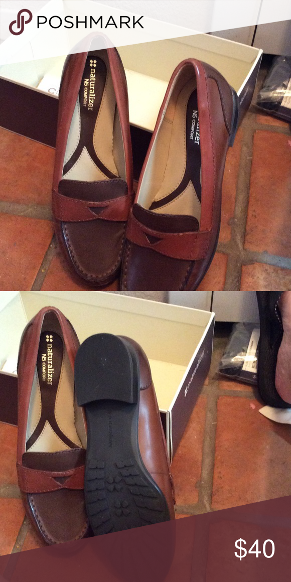 Two tone brown naturalized loafers Two tone brown naturalizer loafers. Never worn Naturalizer Shoes Flats & Loafers