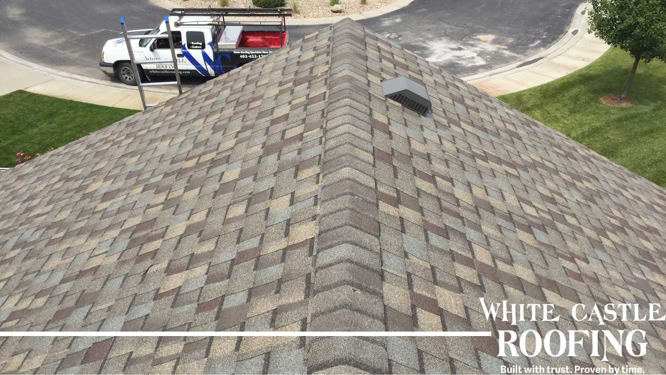 Although We Don T Have A Full House Picture This Close Up Shows The Detail On The Certainteed Pro Maxdef Weat Wood Roof Shingles Roofing Contractors Shingling