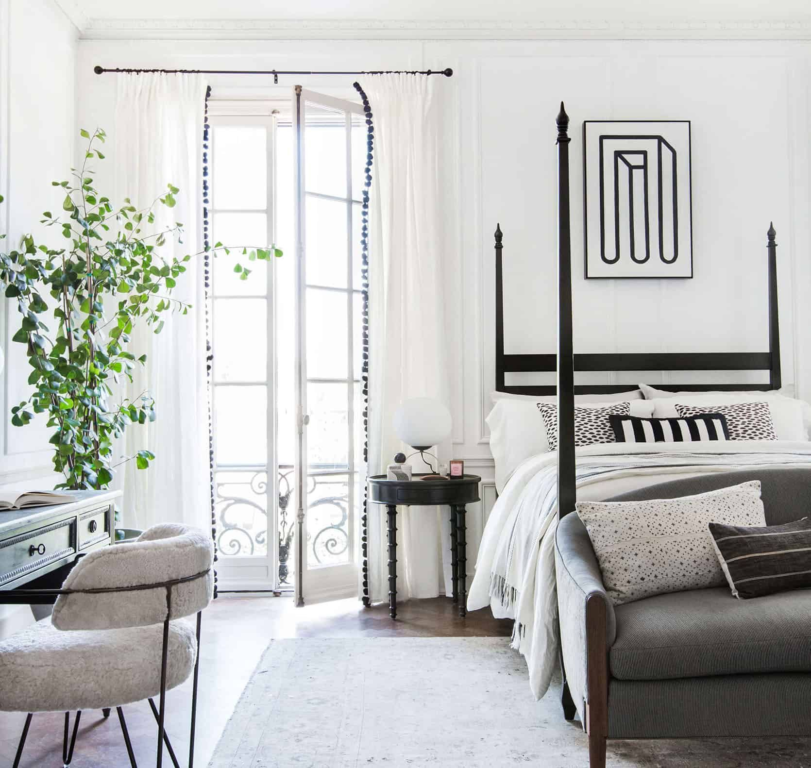 20 VERY Affordable Pillow Combos & Our 5 No-Fail Combo Rules - Emily Henderson #throwpillows #homedecor #stylingtips #interiors