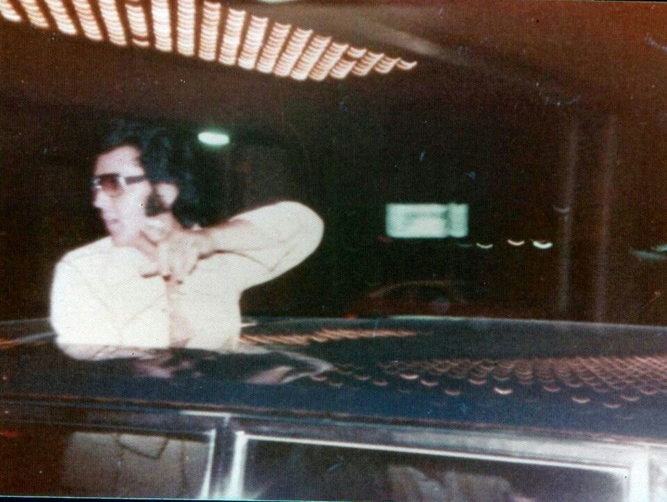 August 1974 - Elvis through the roof of His limo - Las Vegas