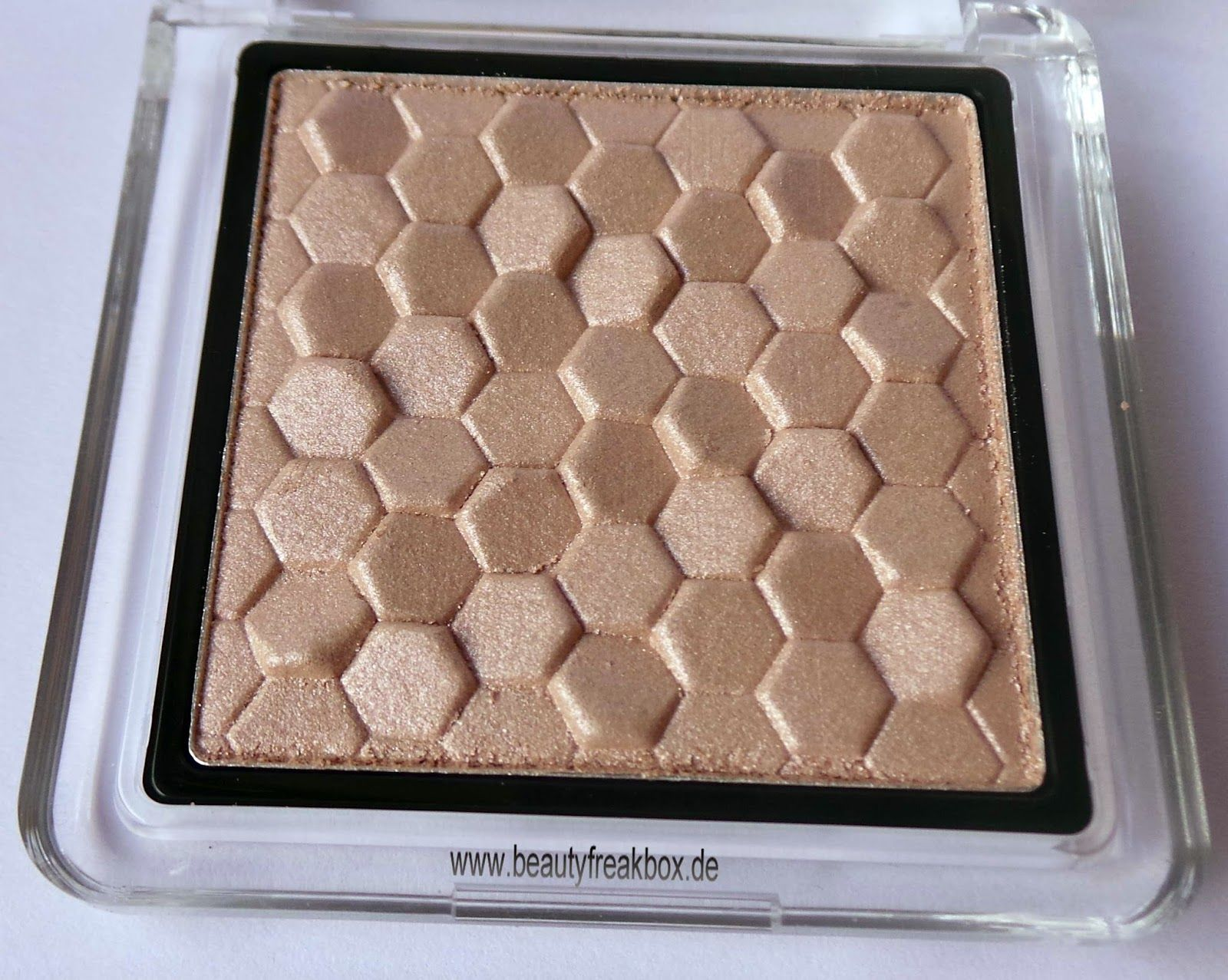 Catrice Nude Purism – Pure Shimmer Highlighter