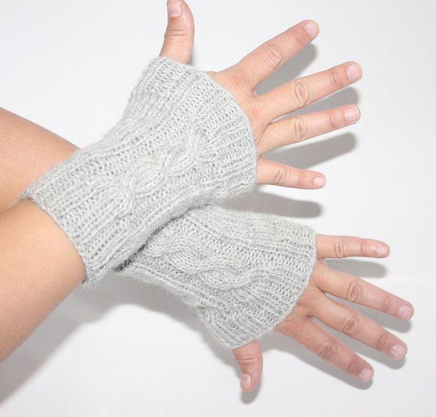 graue Pulswärmer mit wrist warmers fingerless gloves knitting ...