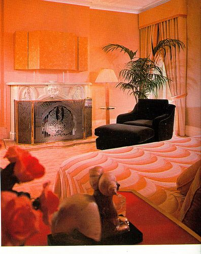 80\'s Peach/orange bedroom | orange interior | Pinterest | Orange ...