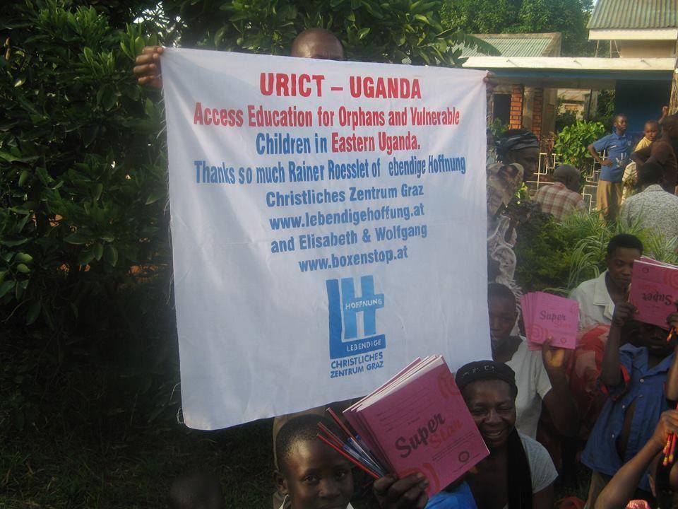 Ein Gruß von unseren Freunden aus Uganda