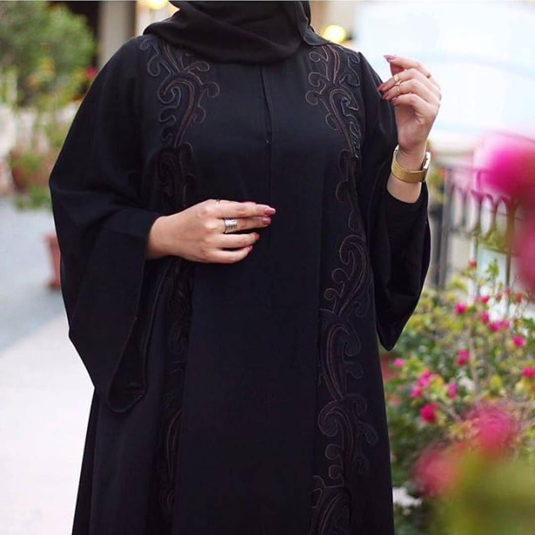 Repost Tiii600 With Instatoolsapp أريام عباية كولكشن جديد عبي نار وكمية جمال بتصاميمها فخامة أناقة ذرابة و ال Black Abaya Designs Fashion Abaya Fashion