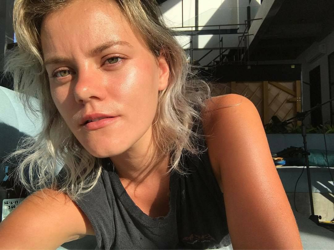 Taya Smith in Bali Hillsong UNITED '17 #tayasmith # ...