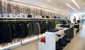 Afbeeldingsresultaat voor interieur kledingwinkel | Winkelinterieurs ...