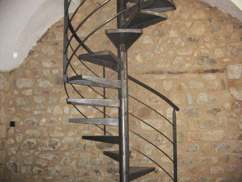 escalier colima on fer forg cr ation d escalier pr s de lyon 69 art m tal concept. Black Bedroom Furniture Sets. Home Design Ideas