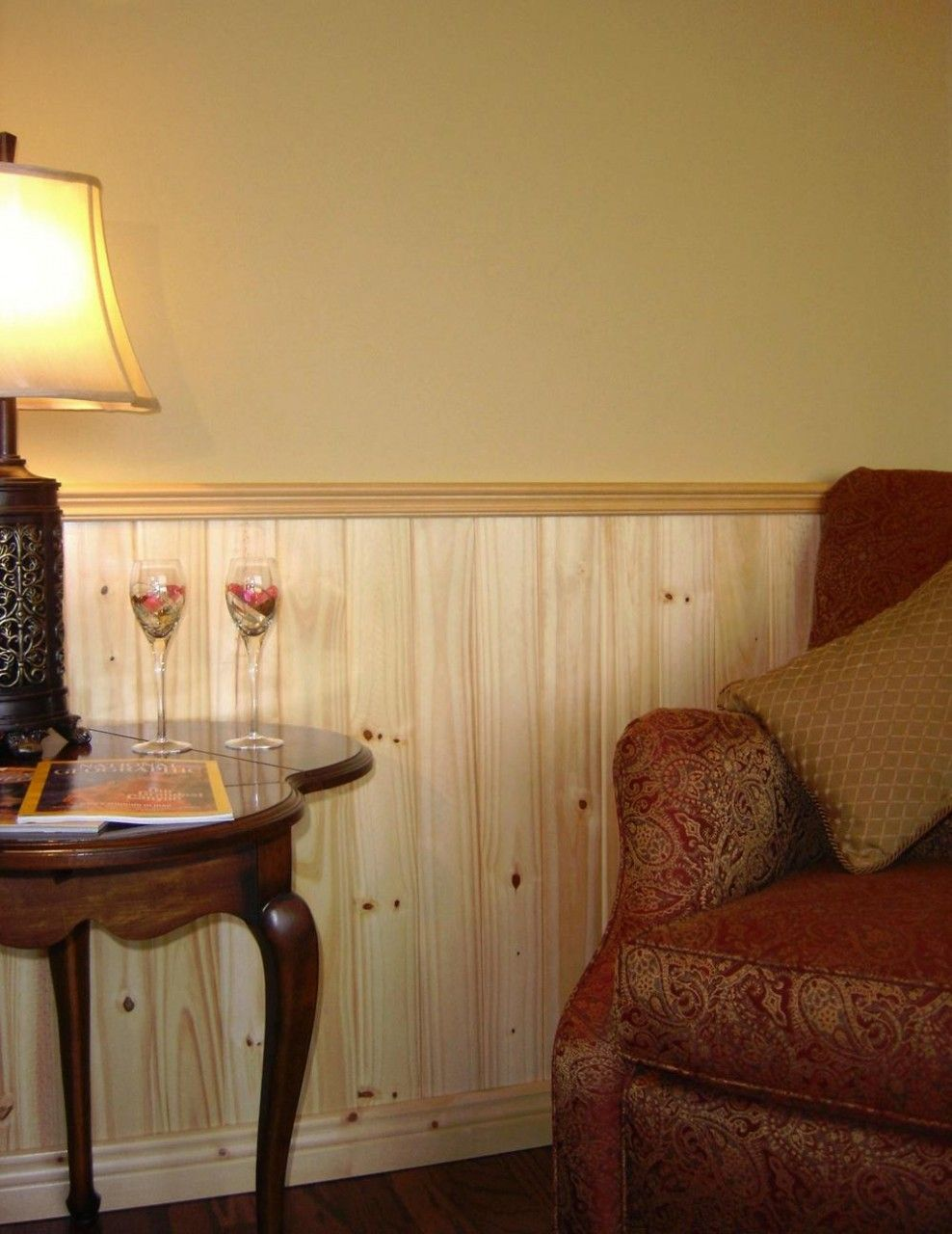 Rustic wainscoting ideas - Knotty Pine V Joint Planking Kit 96w X96h