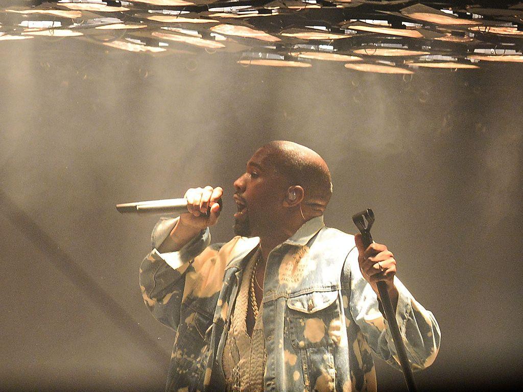 Kanye West Performs Bohemian Rhapsody At Glastonbury Video Kanye West Kanye Bohemian Rhapsody