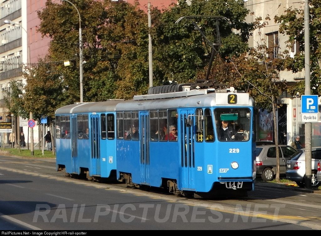 229 Zet Zagrebacki Elektricni Tramvaj Tmk 201 At Zagreb Croatia By Hr Rail Spotter Train Tracks Train Track