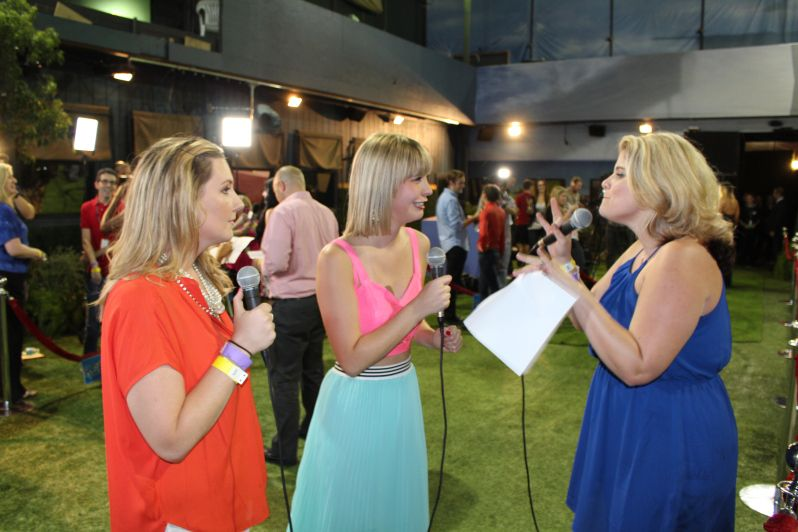 Big Brother 17 Finale - Backyard Interview Photos ...