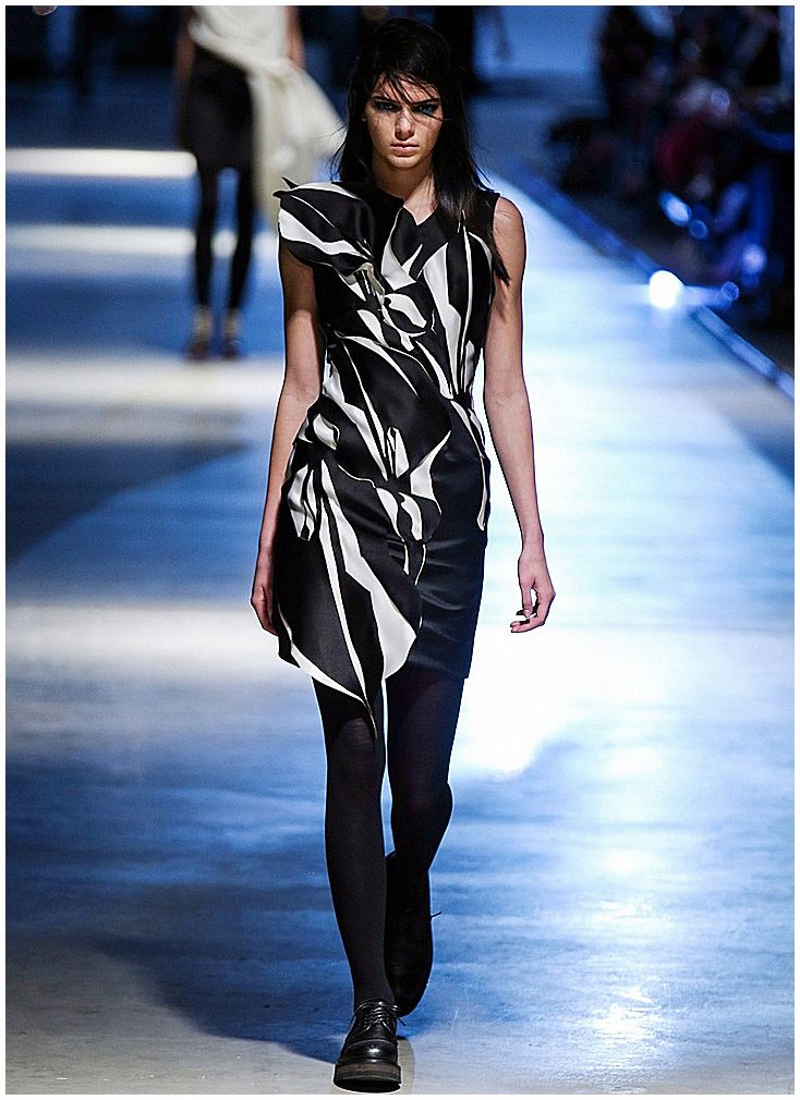 Kendall Jenner - February 17th 2014 - London Fashion Week AW14 - Giles