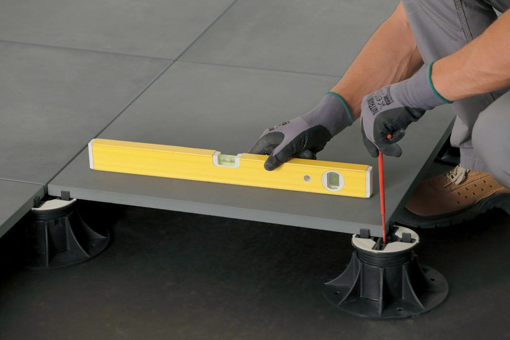 Carrelage Clipsable 2cm Comment Realiser Une Pose Sur Plots Decoration De Terrasse Exterieure Carrelage Terrasse Exterieur Carrelage Clipsable