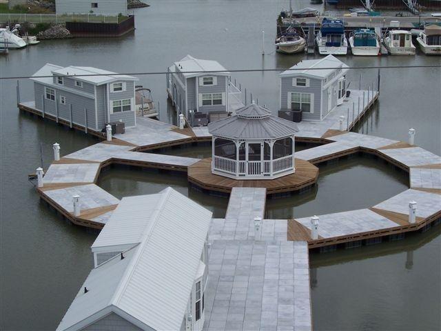 floating homes in lake erie maisons flottantes houseboat pinterest maison flottante. Black Bedroom Furniture Sets. Home Design Ideas