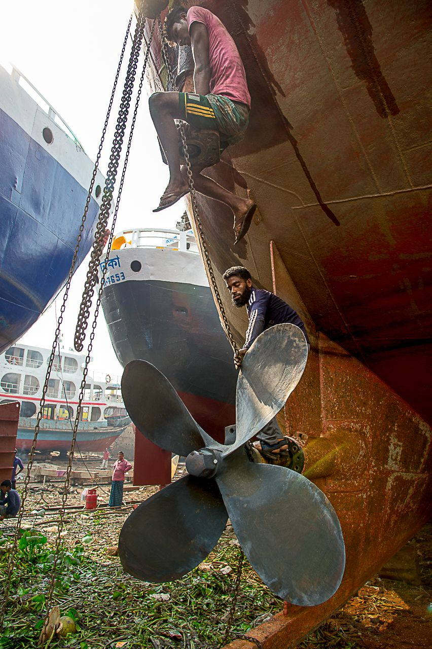 Ship Yard In Dhaka Incredible Places The Incredibles Dhaka