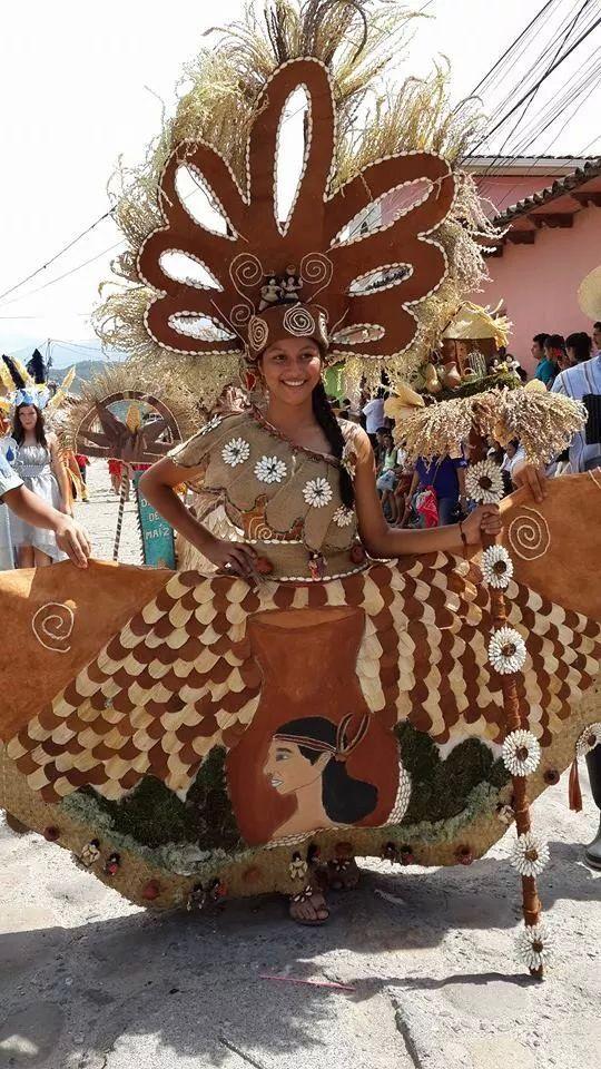 c60f4f0c6d Celebracion del Dia de Lempira en la ciudad de Gracias