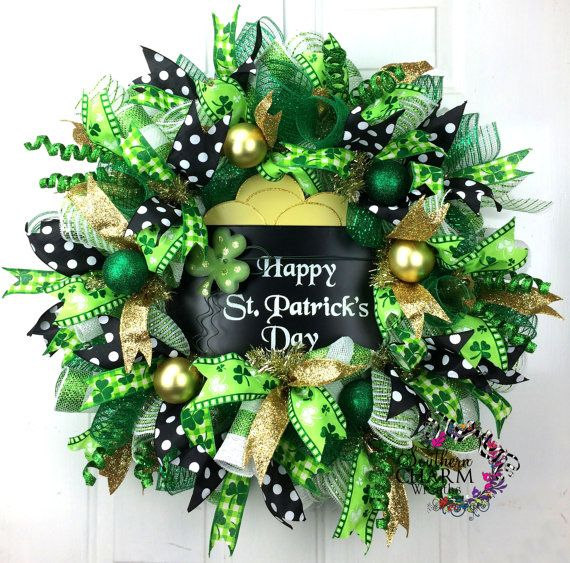 deco mesh st patricks day wreath st patrick 39 s day decor pot of gold wreath green gold black. Black Bedroom Furniture Sets. Home Design Ideas