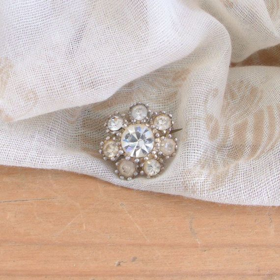 Small Vintage Brooch With Silver Coloured Surround and Diamante Cluster