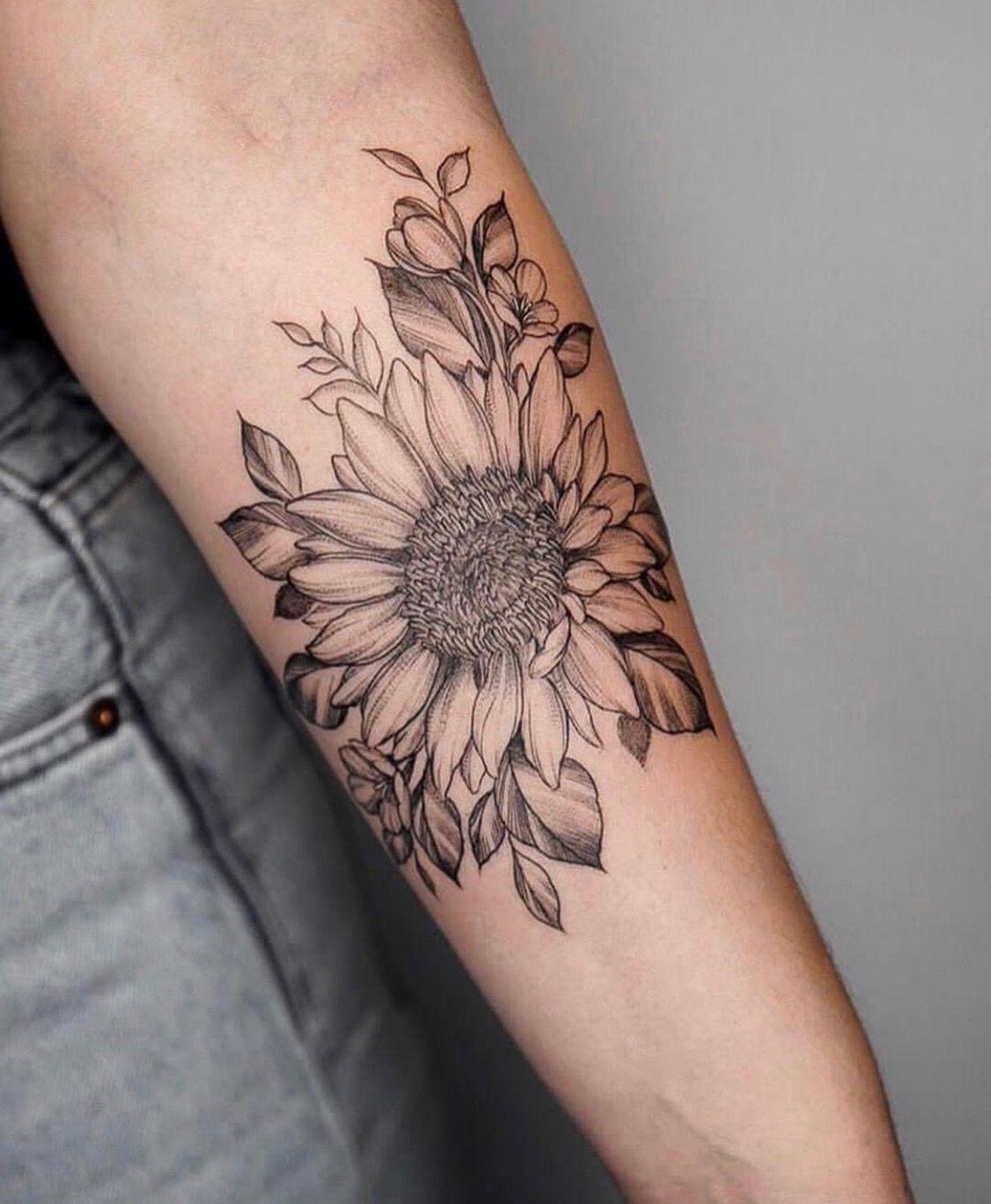 Pin on Tatuagens Girassol