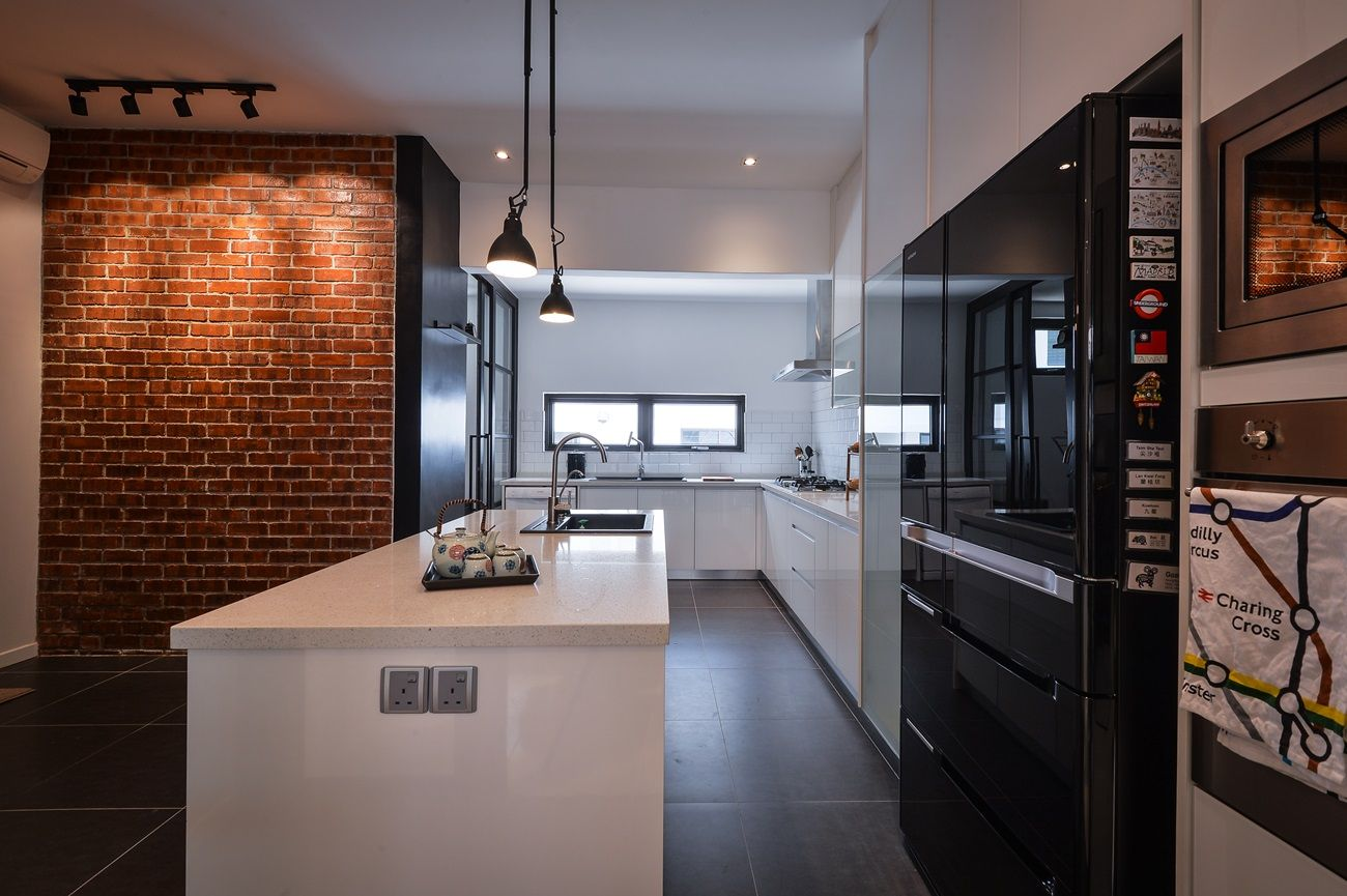 Best The Red Brick Feature Wall Adds A Lovely Splash Of Colour 640 x 480