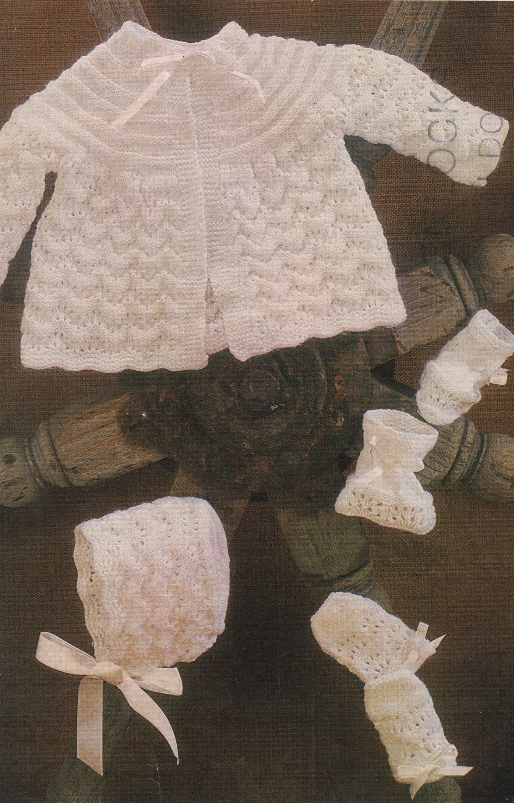 "Vintage Baby Matinee Coat Bonnet Bootees 20/"" DK Knitting Pattern"