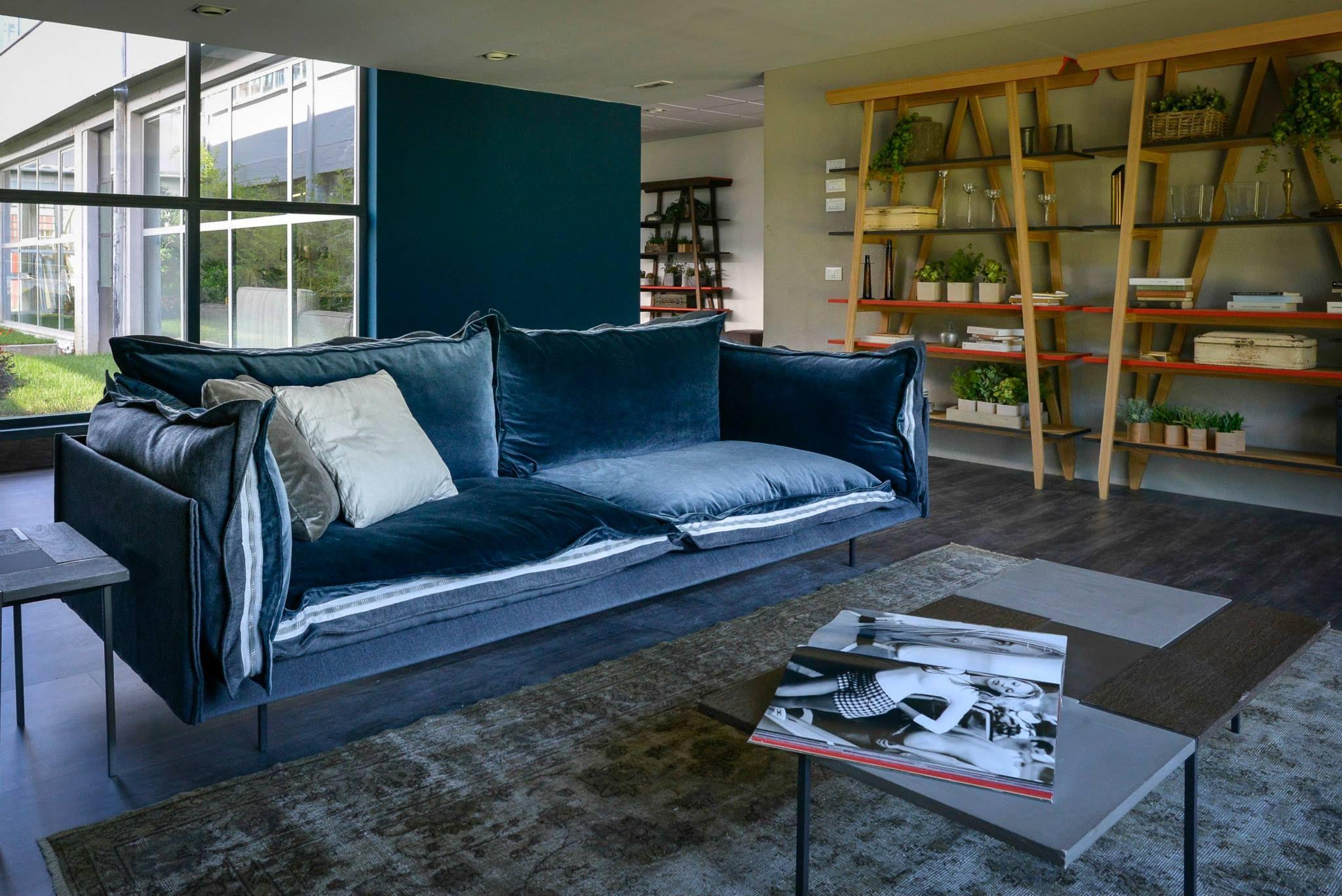 Auto Reverse kanapé Blue Velvet sznben Zseniális