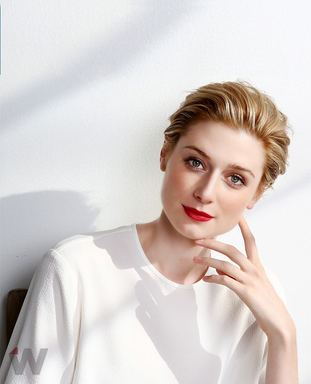 Emmy Quickie Why Night Manager Star Elizabeth Debicki Is So Close To Tom Hiddleston Exclusive Video Elizabeth Debicki Hair Styles Short Hair Styles