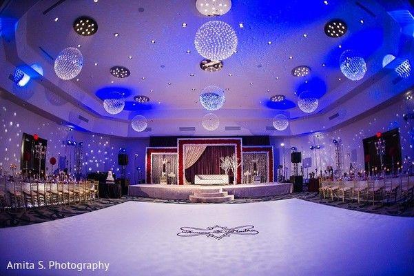 Venue & Lighting http://www.maharaniweddings.com/gallery/photo/63621 @moonsballoons