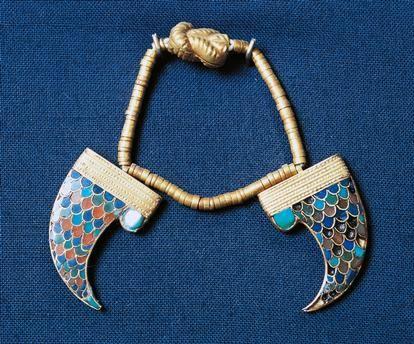 Bracelet of Princess Khnumit, gold and semiprecious stones, from Dahshur, Egypt, Egyptian civilization, Middle Kingdom, Dynasty XII