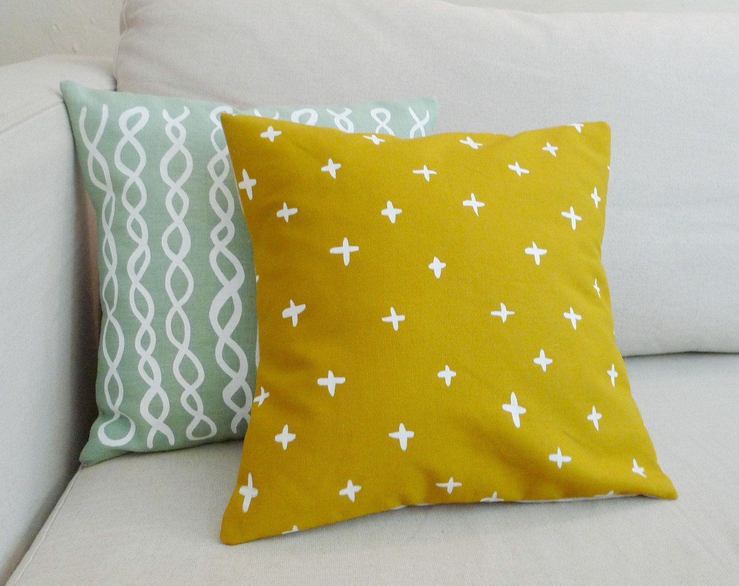 How to DIY Screen-Printed Pillows That Are Made forInstagram