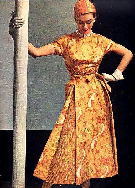 Robe Hubert de Givenchy, L'Officiel April 1953