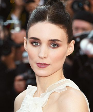Get an eyeful of the romantic updos, textured waves and fresh dewy skin we loved on the red carpet