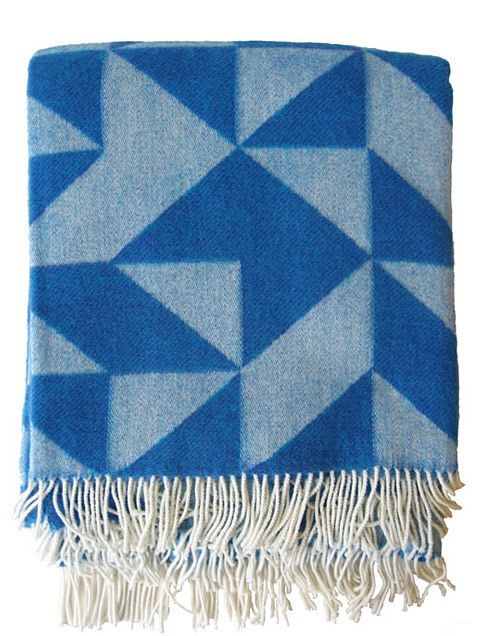 Tina Ratzer Geometric Wolldecke Blau Blaue Decke Textilien