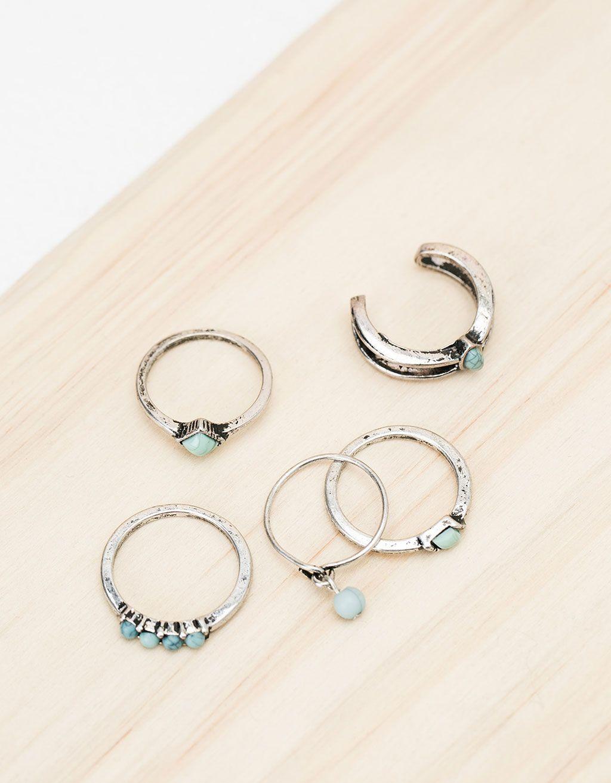 Set de anillos piedra turquesa. Descubre ésta y muchas otras prendas en Bershka con nuevos productos cada semana