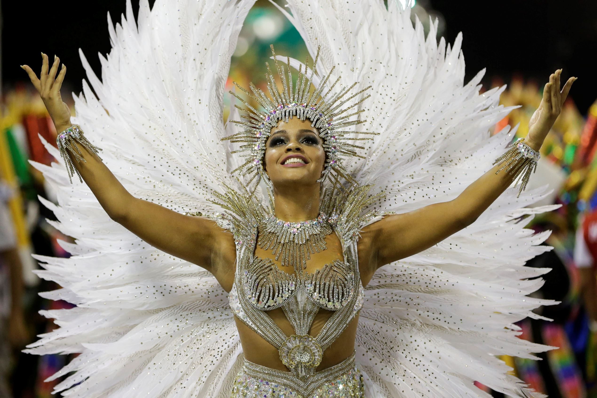 Stunning Pictures From 2015 Carnivals Carnaval De Brasil Carnaval Trajes De Carnaval