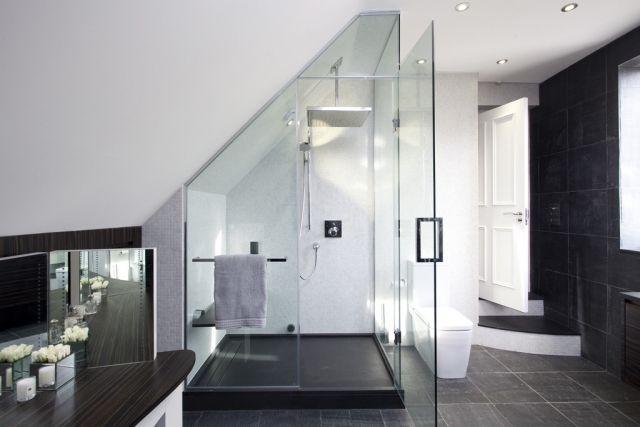 badezimmer dachschraege glas dusche graue bodenfliesen badezimmer gestaltungsideen pinterest. Black Bedroom Furniture Sets. Home Design Ideas