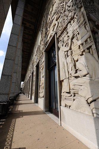 Palais de la porte dorée paris xii