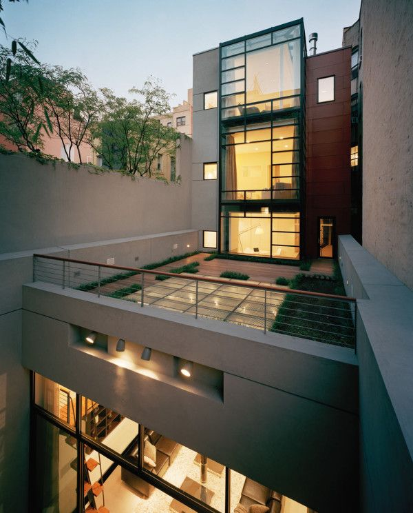 A Parking Garage Becomes A Nyc Townhouse With Drama Nyc Townhouse Architecture Interior Architecture Design