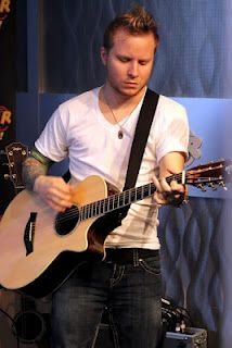 Zach Myers/Shinedown Gorgeous man but then they all are pretty amazing