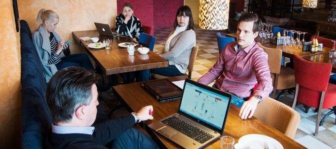Some-akatemiasta puhtia kivijalkaliikkeiden sosiaaliseen mediaan