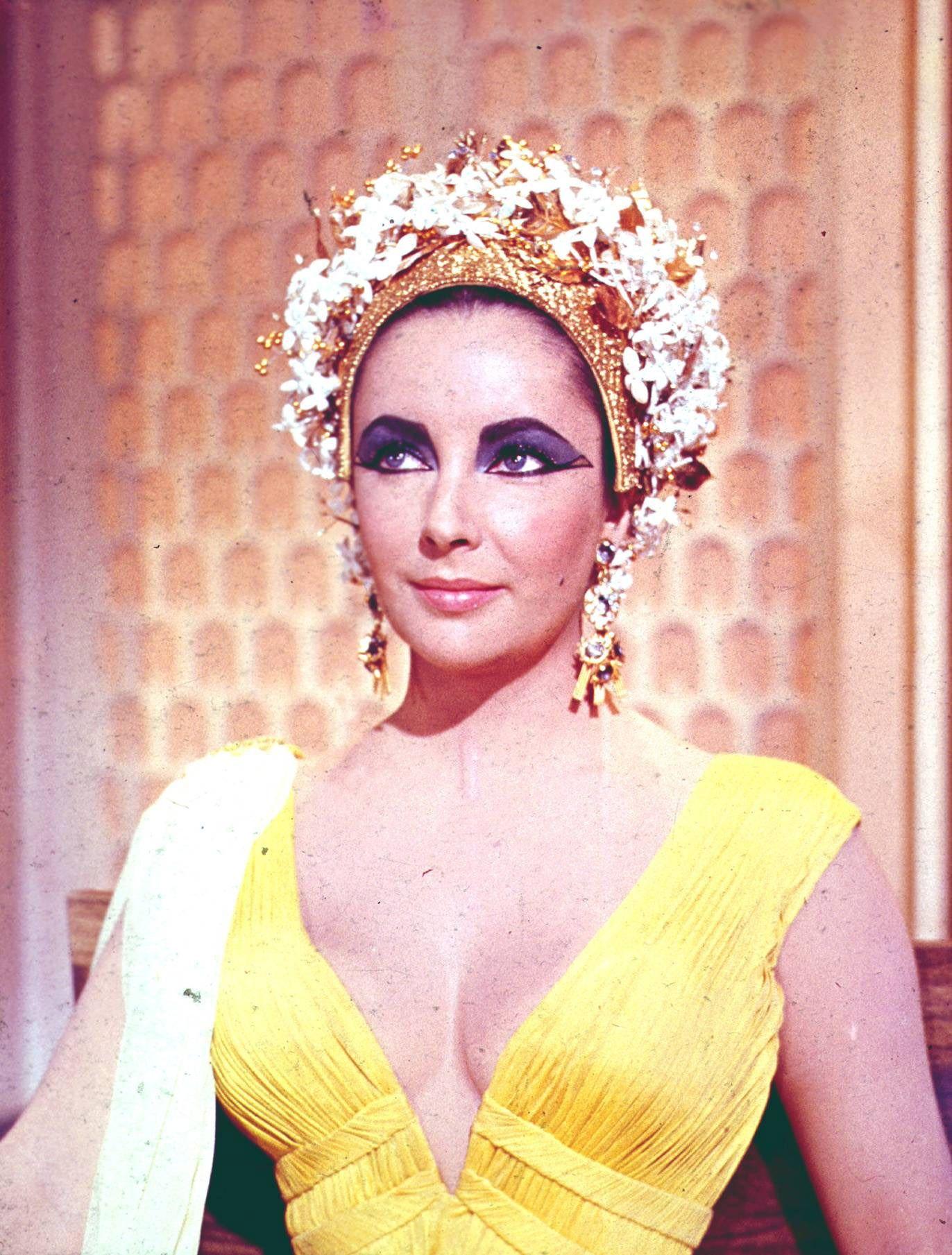 Elizabeth Taylor as Cleopatra Photo Gallery | Elizabeth Taylor ...