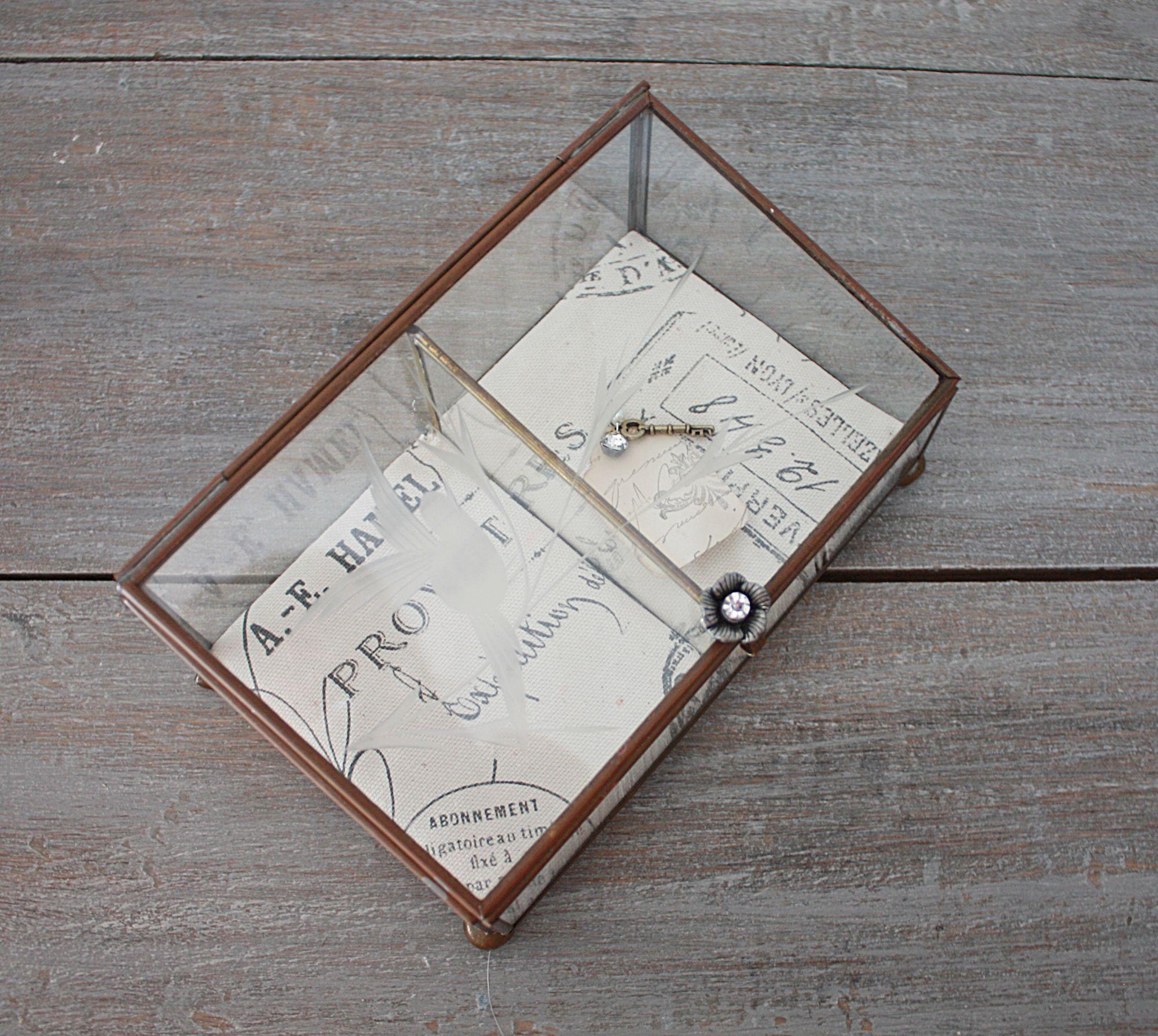 Vintage curiosity box | Cloth & Patina