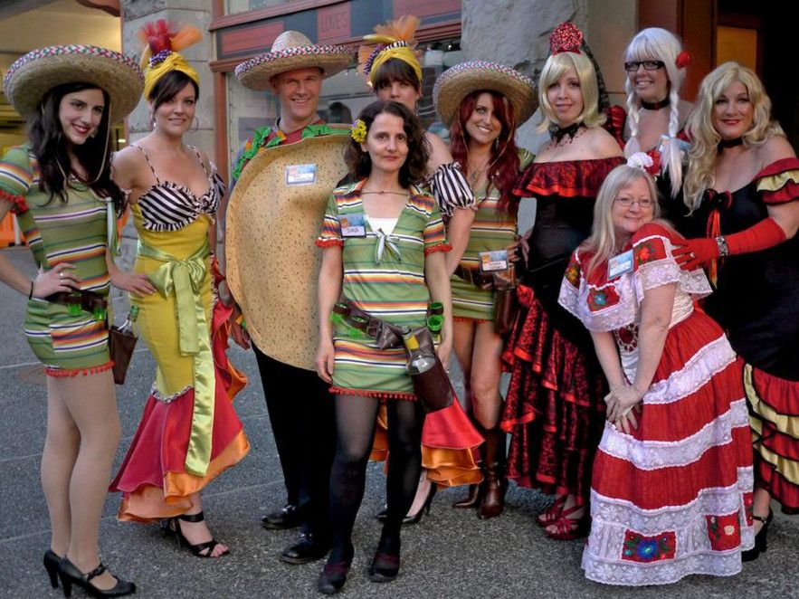 mexican themed party outfit ideas | Mexican party ideas | Pinterest