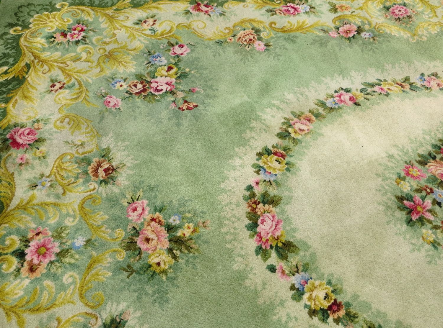 Grand Axminster Wool Floral Carpet Vintage Home Ideas