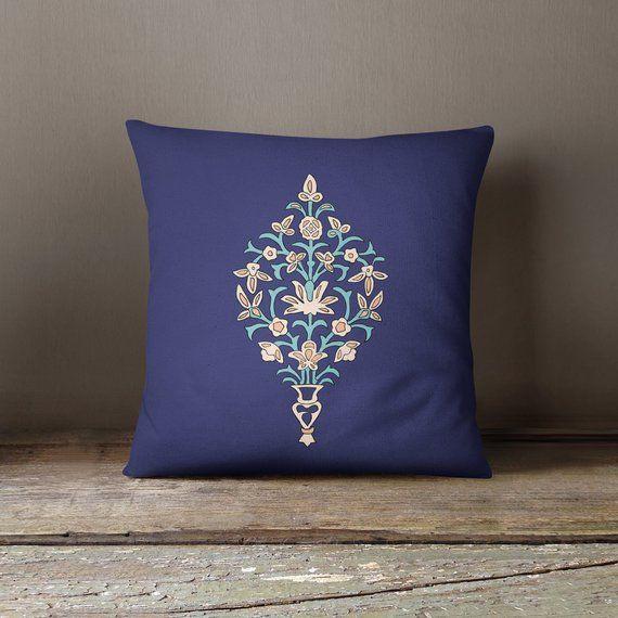 Cuscini Per Divano Blu.Pillow With Oriental Decoration Nel 2019 Throw Pillows Design