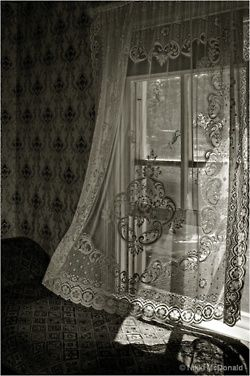 Cool Breeze Thru An Open Window Lace Curtains Curtains Shabby