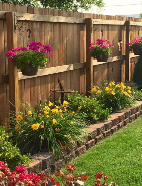 20+ Minimalist And Small Frontyard Landscaping Ideas - Eweddingmag.com