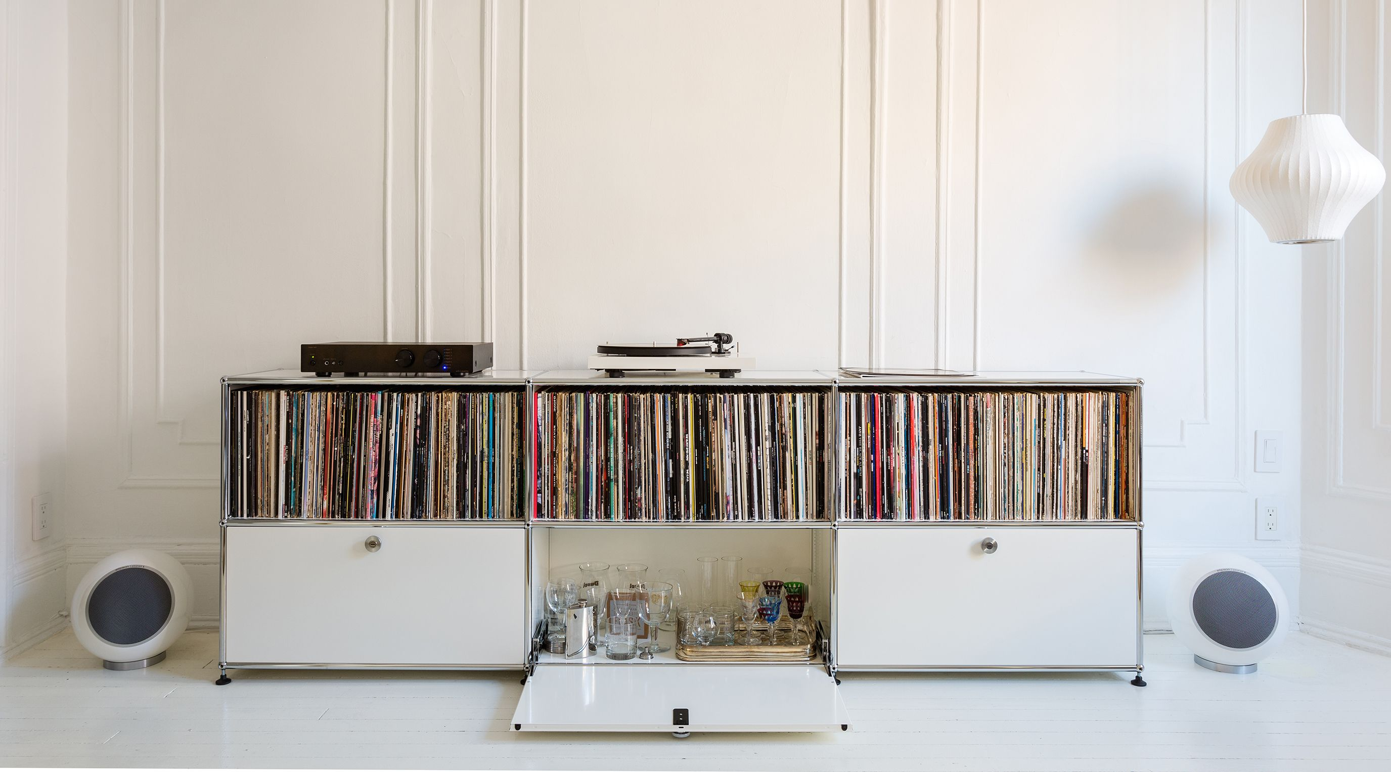The Vinyl Revival Isnu0027t Slowing Down, Why Not Use USM Haller To Display
