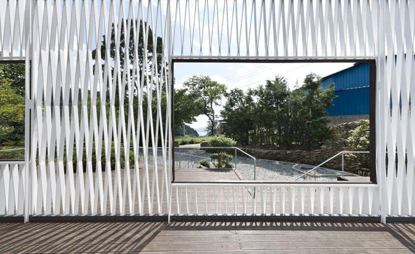 Korean Architect Jeong Hoon Lee Of Joho Architecture Clever Use - Curving house joho architecture